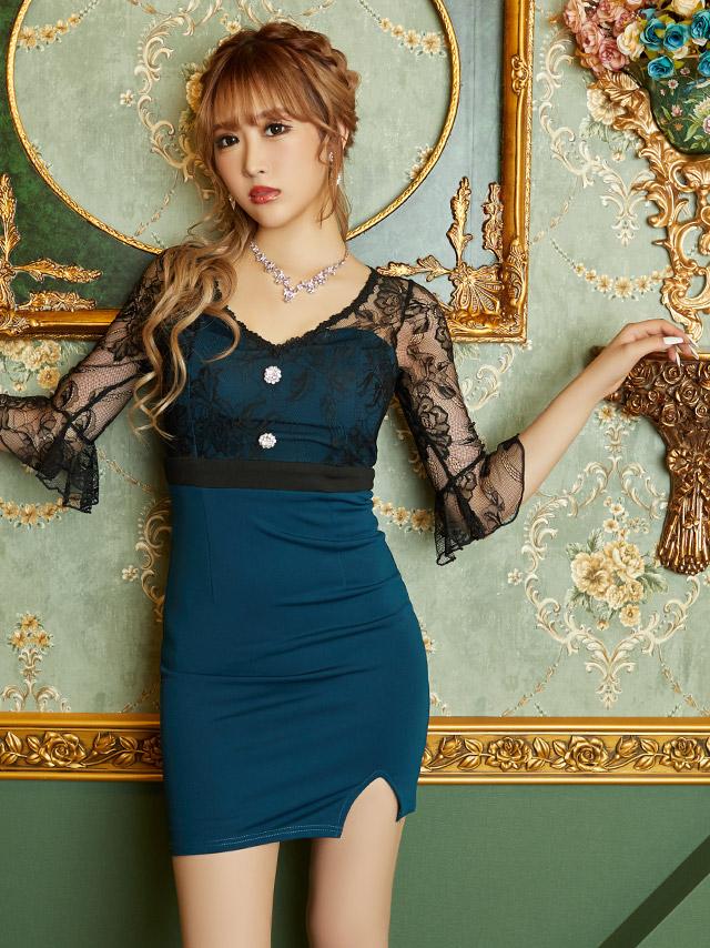 伊藤桃々が着ている新作キャバドレス