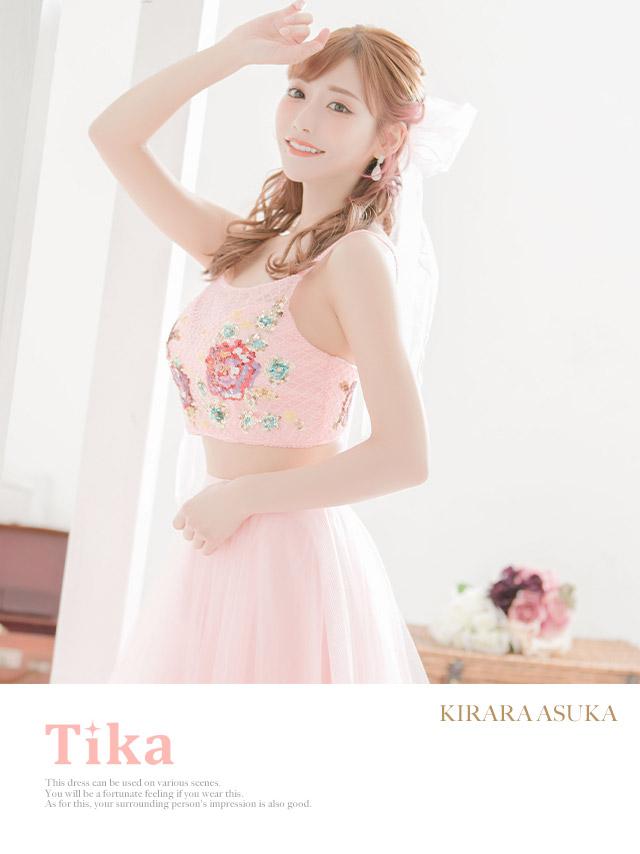 明日花キララが着るLAロングドレス