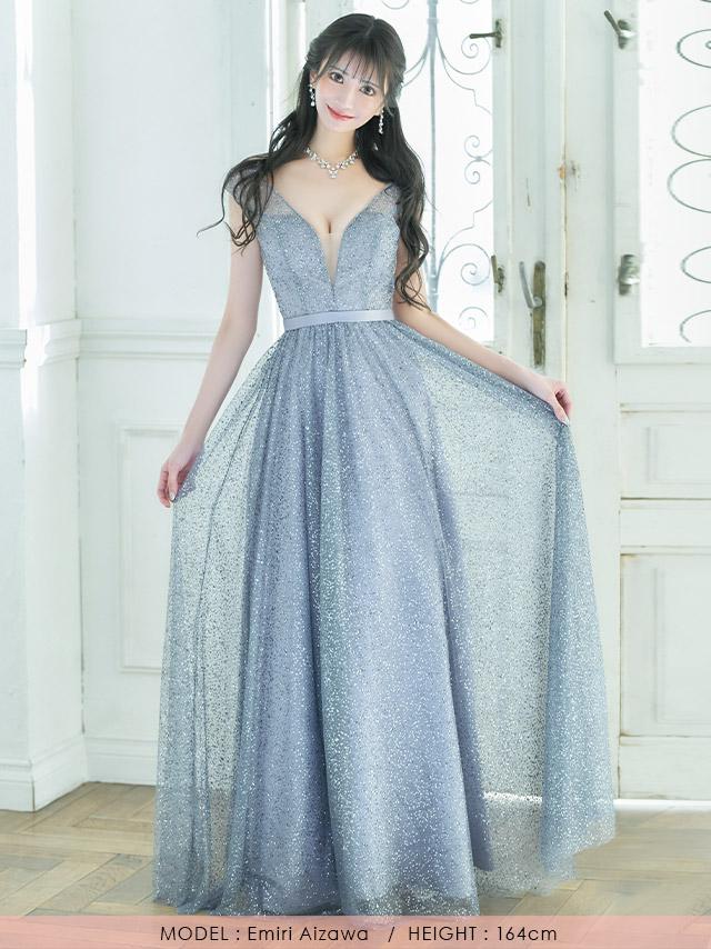 愛沢えみりが着るAラインロングドレス