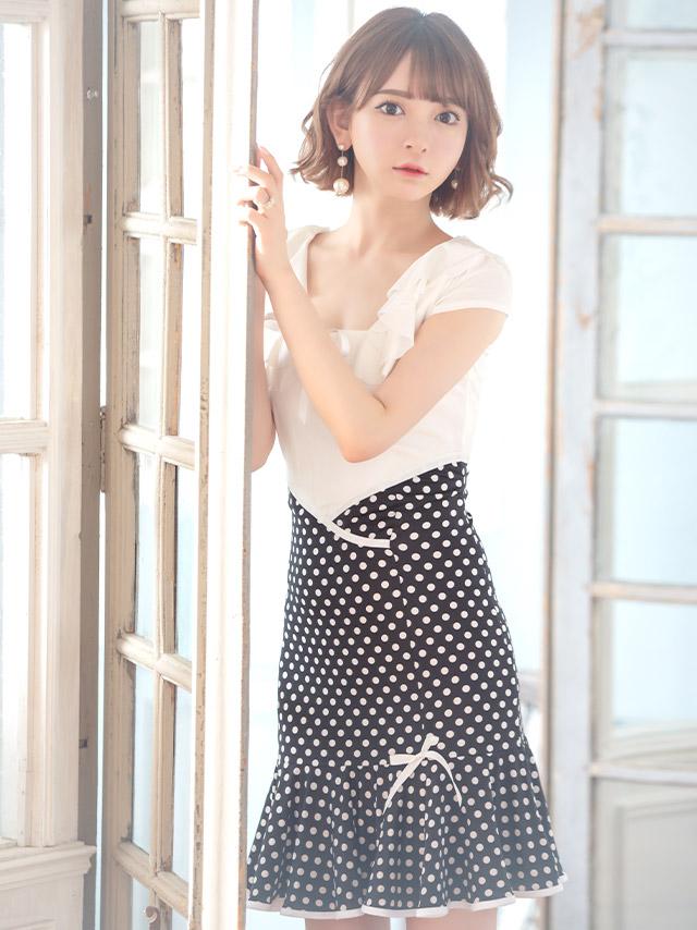 韓国ドレス スクエアネックリボンウエスト切り替えドット裾フリルミニドレス